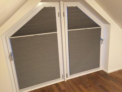 aufmontage f r eckfenster und rechteckige senkrechtfenster. Black Bedroom Furniture Sets. Home Design Ideas